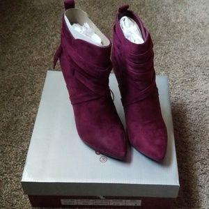 New wine colored booties heels size 6
